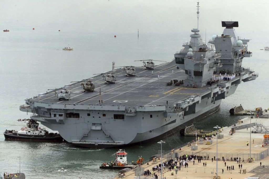 La reina isabel ii da la bienvenida a la flota al nuevo - Nuova portaerei ...