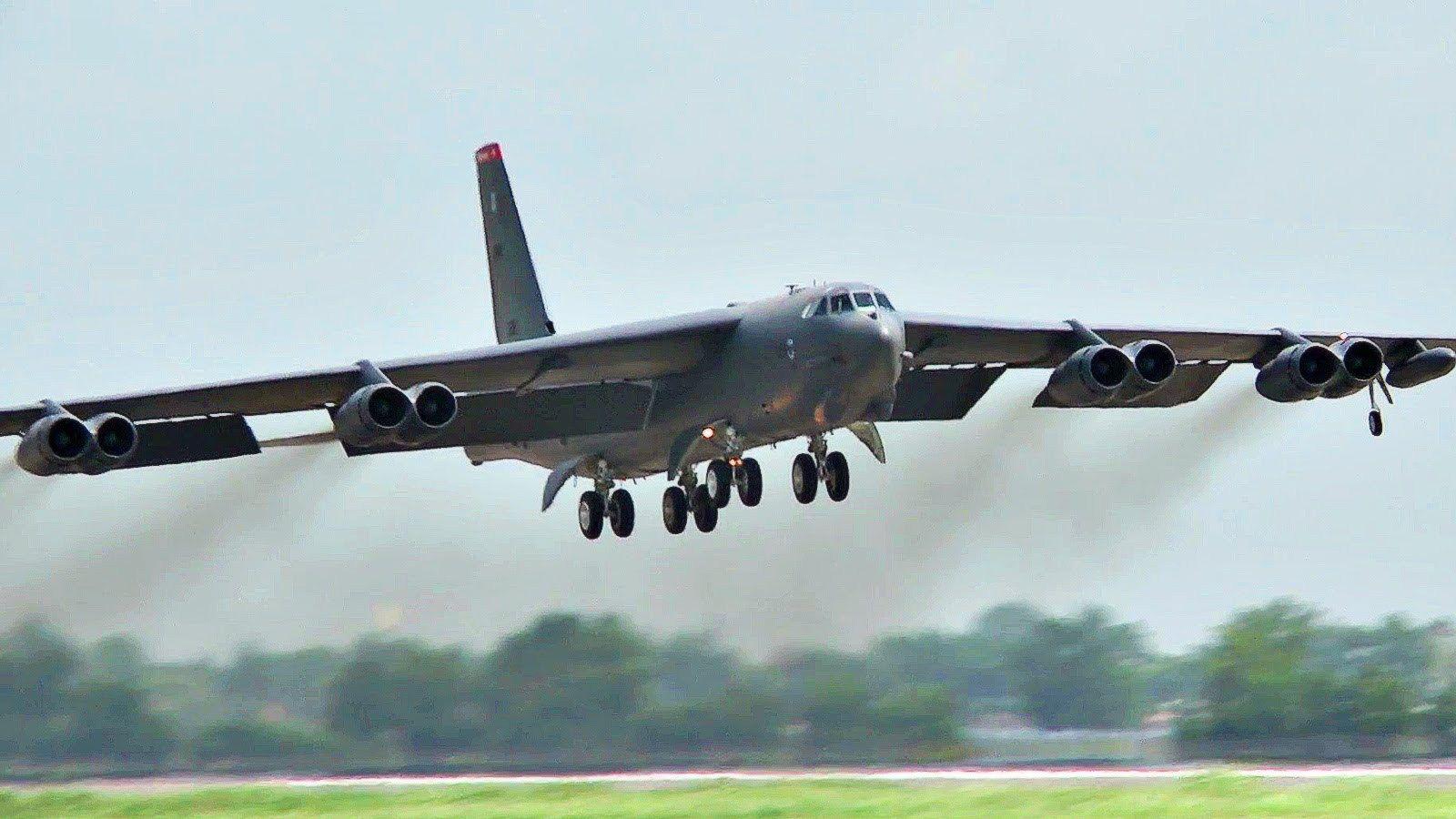 Bombardero b 52