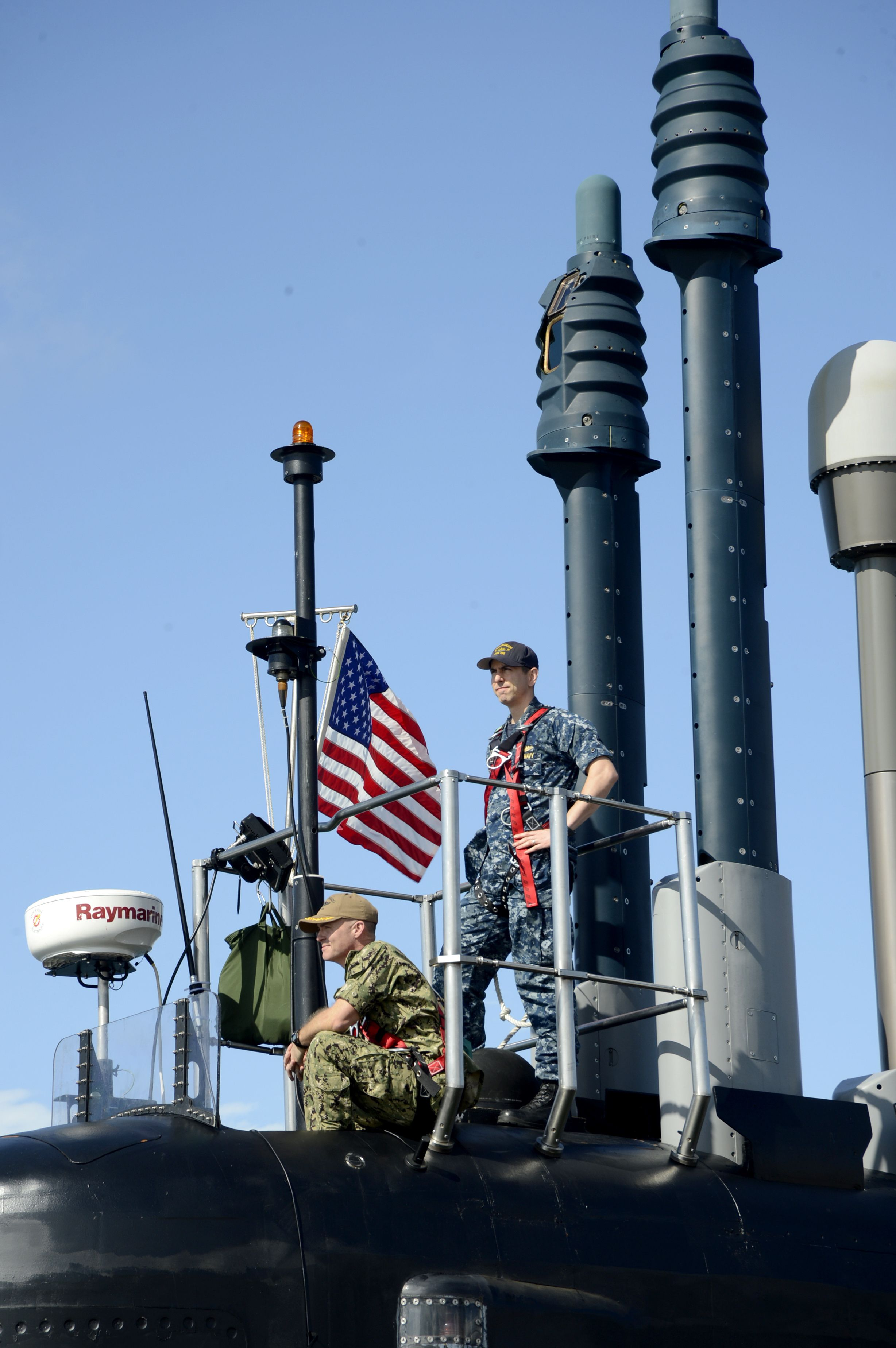 """La Marina de EE.UU. recibe el nuevo submarino nuclear de la clase Virginia """"USS Colorado"""". Texto3"""