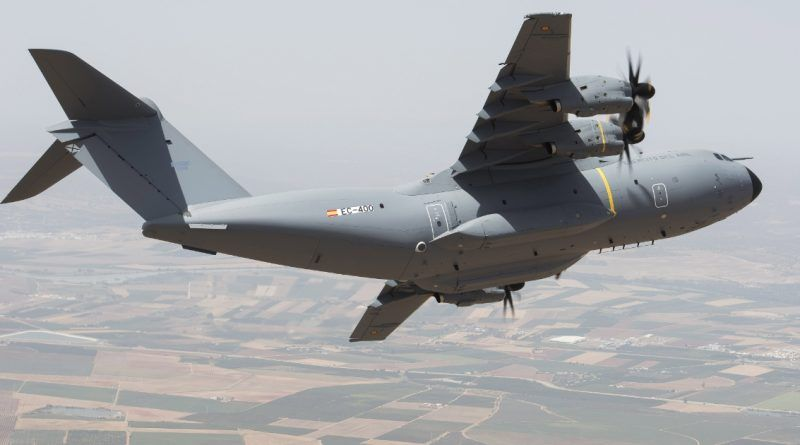 La Fuerza Aérea Española recibe el cuarto Airbus A400M Atlas turbopropulsor.